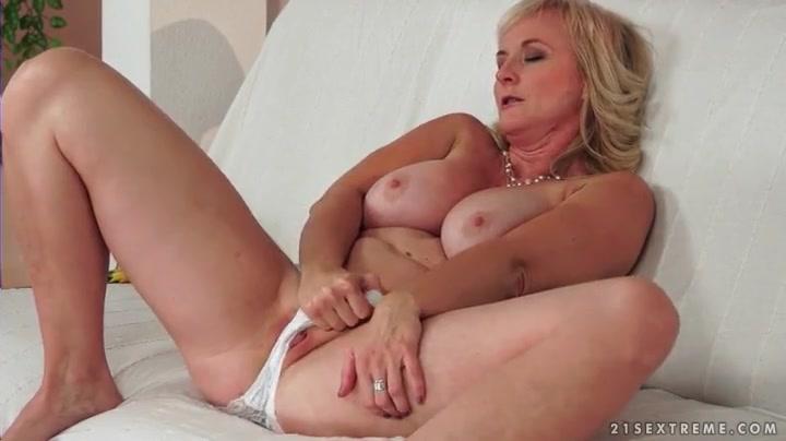 rochelle ashana nude