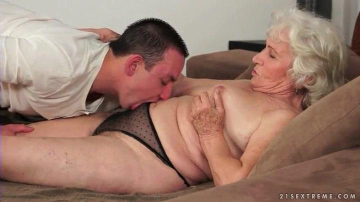 Lesbian Nylon Pussy Licking