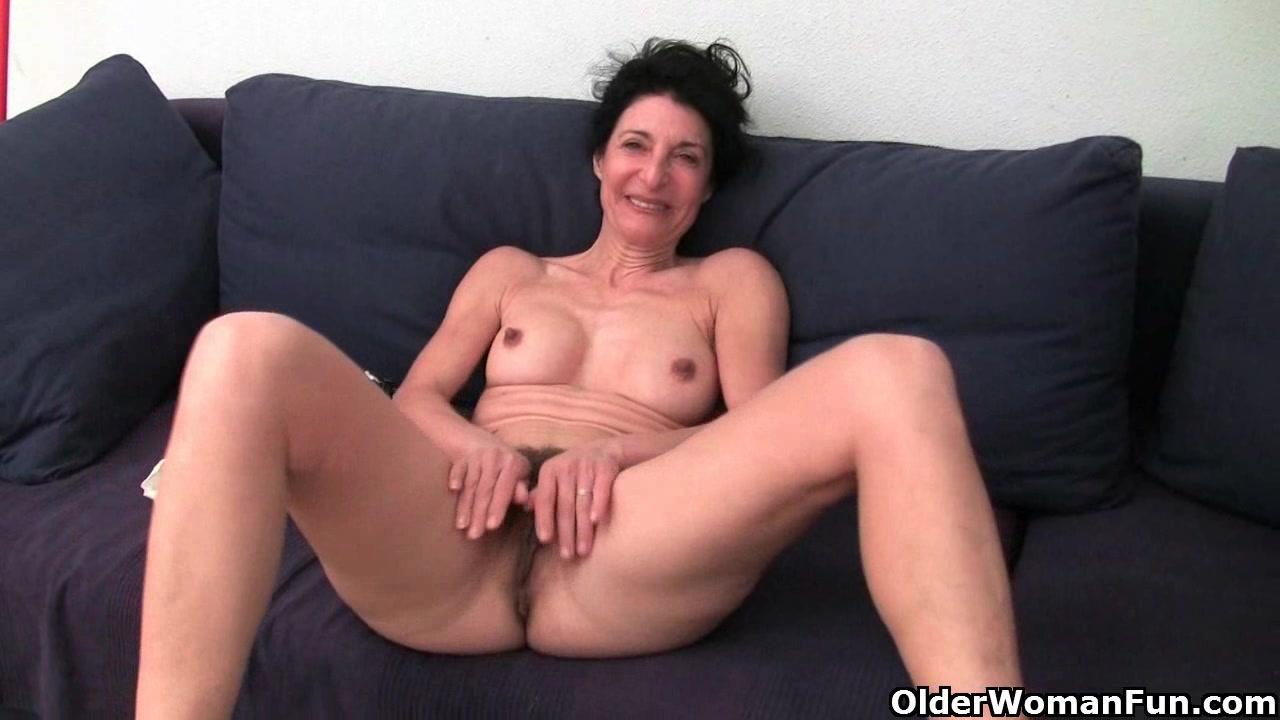 Shaved grandma pussy