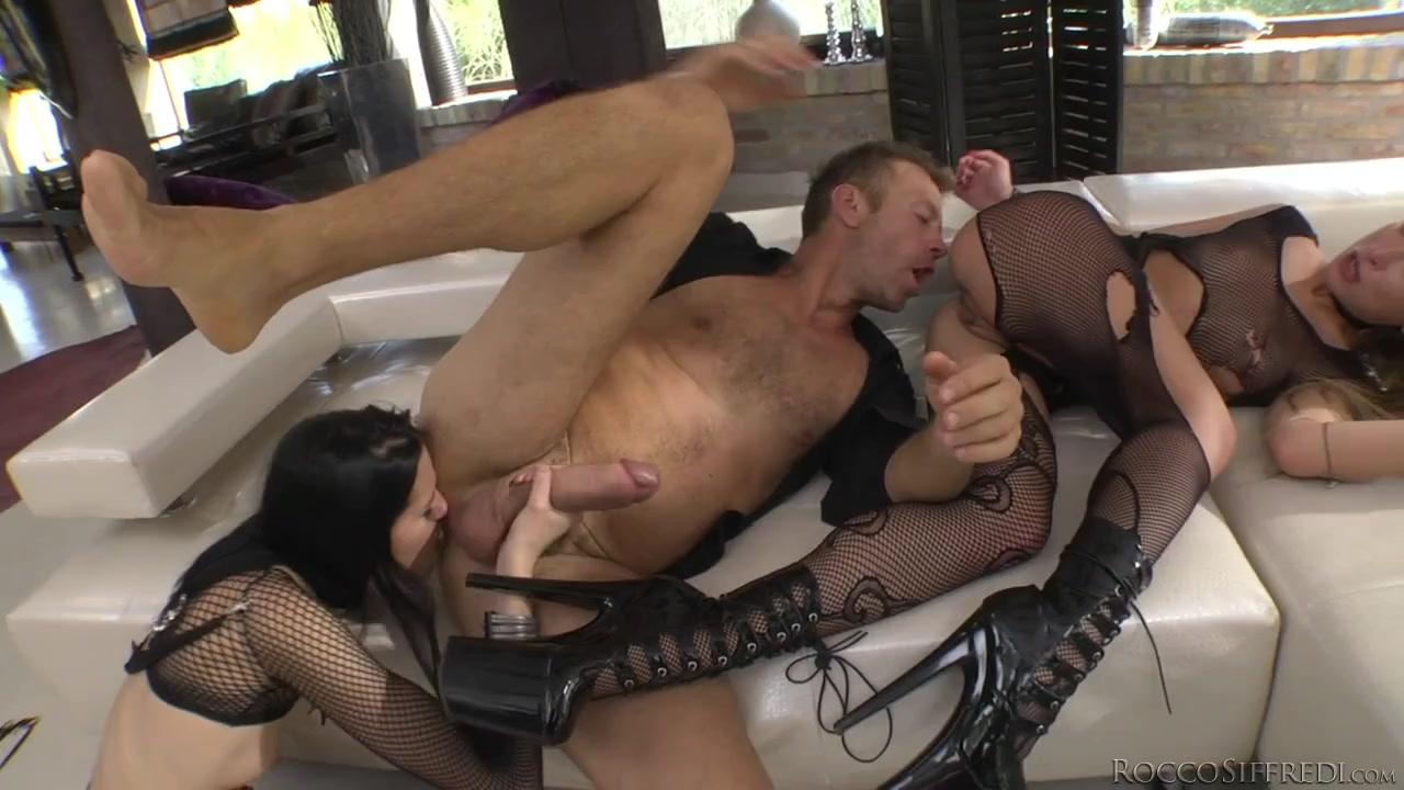 Big Sexy Lips Sucking Dick