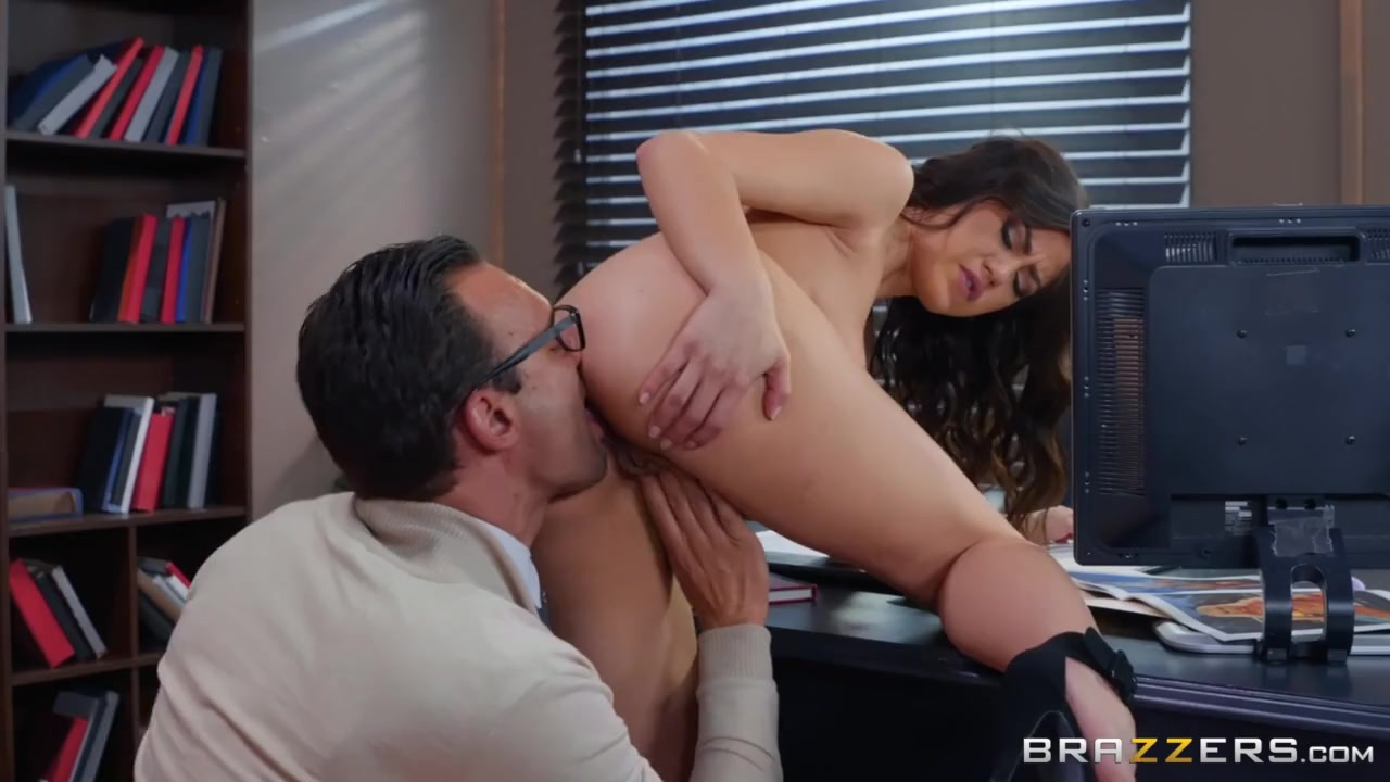 Blowjobfridays Jazmine loves to suck dick