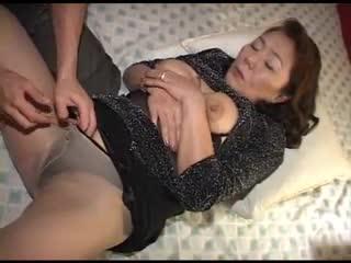 asian mature in pantyhose